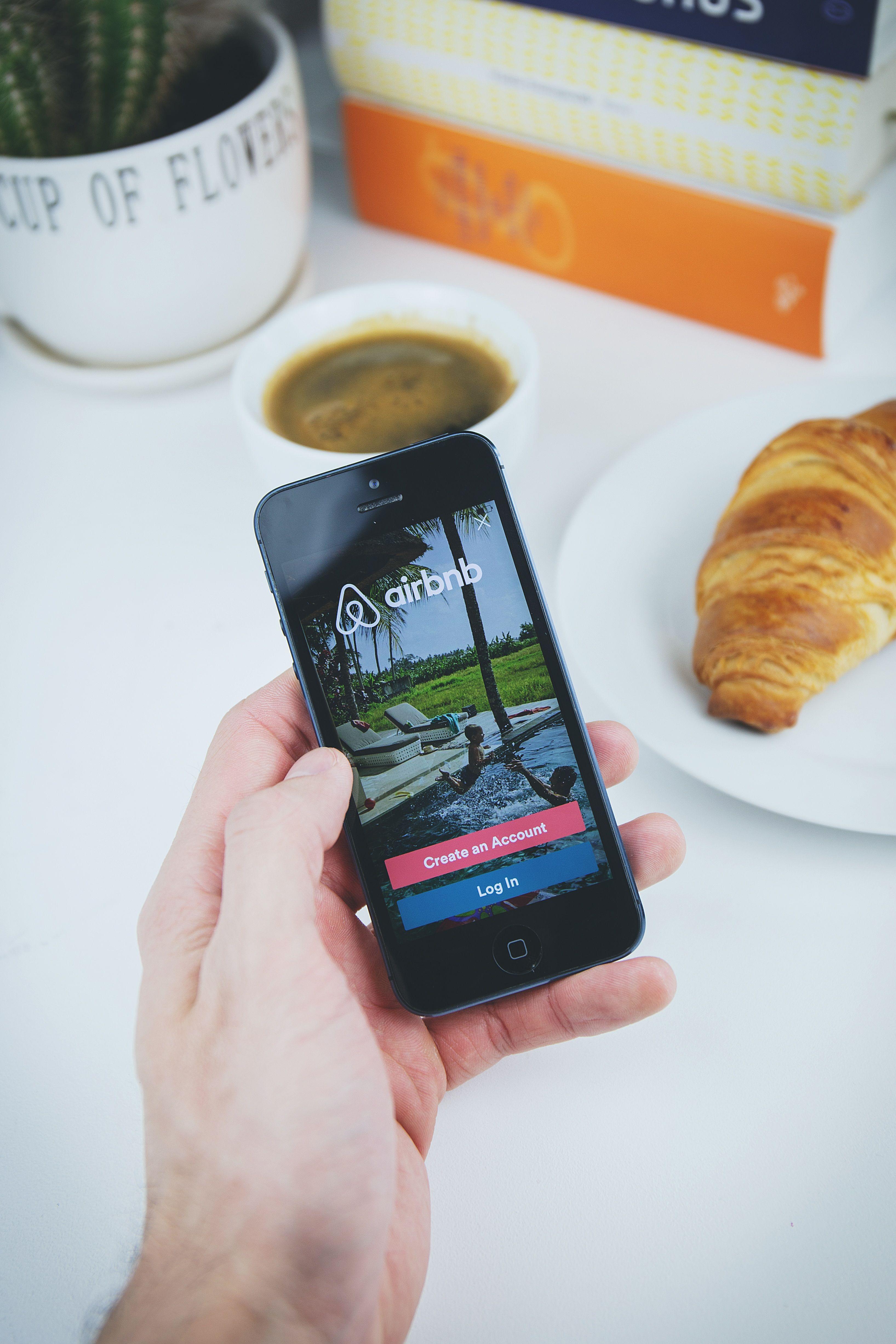 Airbnb Q2 News 2020
